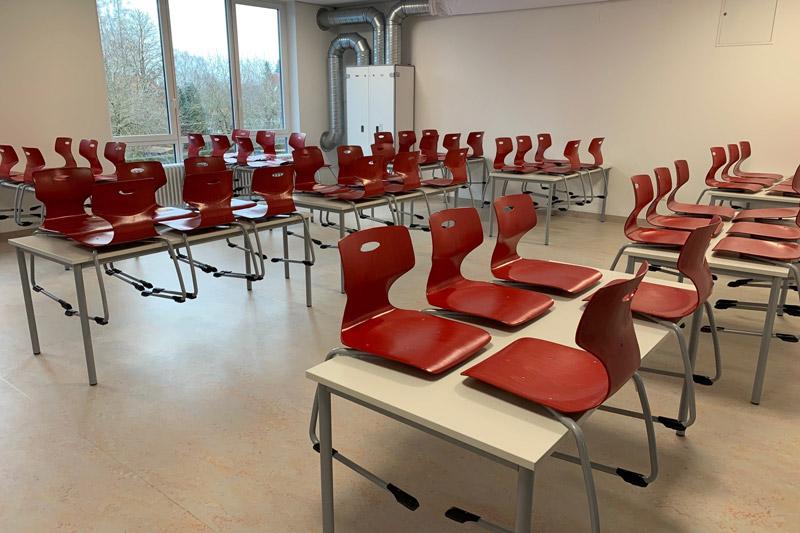 Foto der frisch sanierten Mensa der Von-Imhof-Grundschule in Klosterlechfeld.