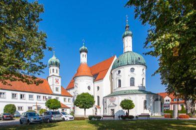 Die Wallfahrtskirche Maria-Hilf in Klosterlechfeld.