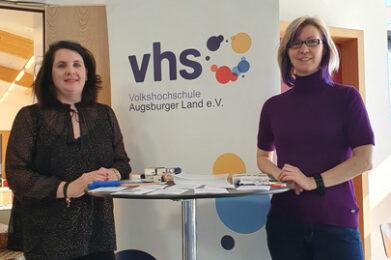 Silvia Dietrich und Viktoria Hadersdorfer von der Volkshochschule in Graben.
